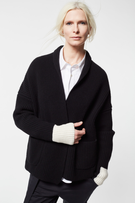 lis-lareida-campaign-2018_eliza_cashmere-wool