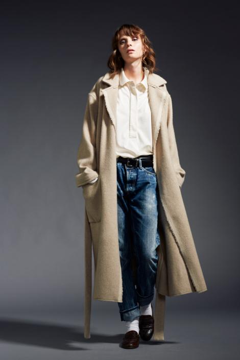 lis-lareida-campaign-fw19_long-cashmere-coat