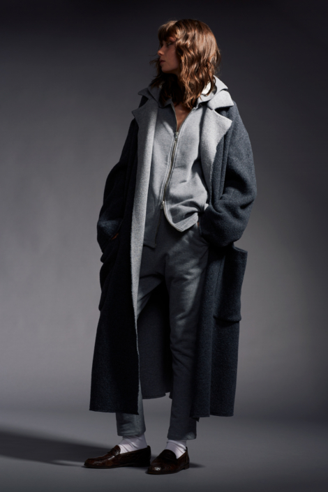 lis-lareida-campaign-fw19_long-coat_cotton-jersey-jacket