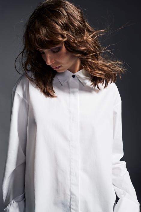 lis-lareida-campaign-fw19_oversize_shirt